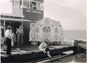 HZV-Zomerfeest 1936, links van pierement Jan de Vries